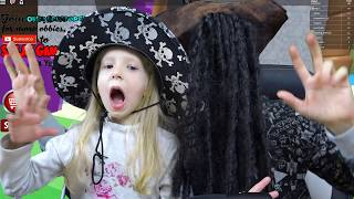 We PIRATES chasing the COFFER gold! Milan and dad pirates in ROBLOX for kids kids from FFGTV