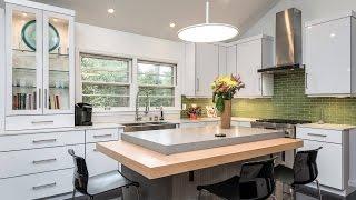 видео Маленькая кухня с барной стойкой: 55 фото и дизайн интерьера угловых гарнитуров