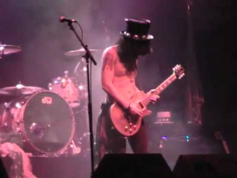 Guns 4 Roses – Slash Solo