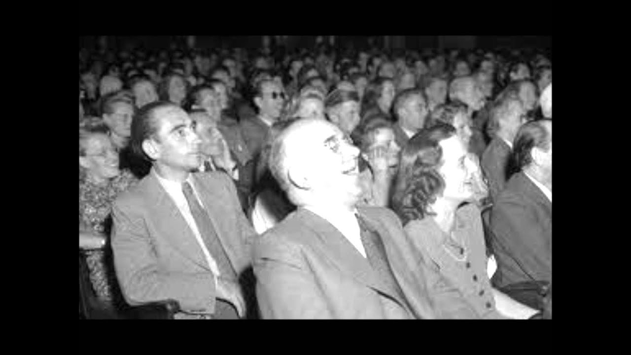 Audience Laughing Sound Effect!