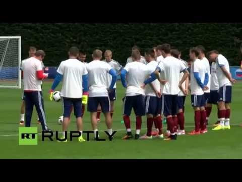 LIVE: Team Russia trains in France ahead of Euro 2016