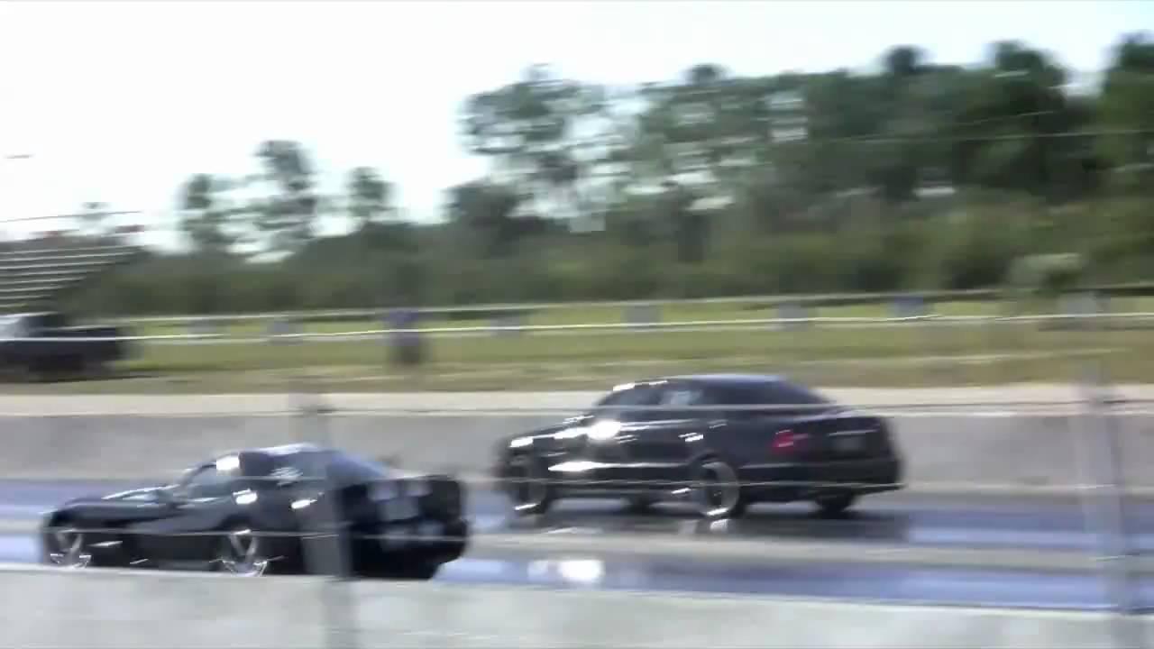 2008 Viper vs 2005 E55 AMG - YouTube