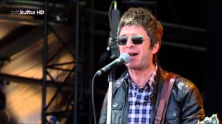 Noel Gallagher`s High Flying Birds - Everybody's On The Run @ Isle of Wight 2012 - HD