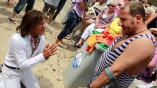 Repeat youtube video Jürgen Drews Heiratsantrag Willi Herren |  Hammer! |  Ballermann / Mallorca 2010 TV.NEWS-on-Tour.de