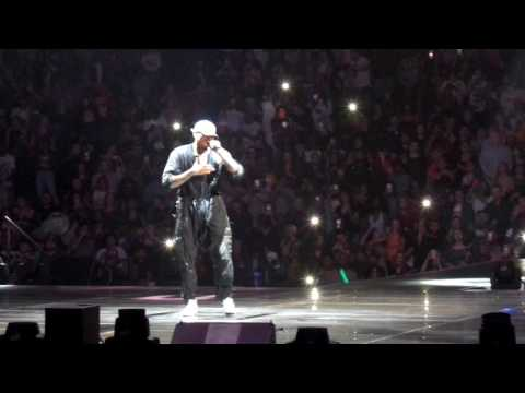 Chris Brown Live In St Paul MinnesotaChris – Yo (Excuse Me Miss) - Deuces
