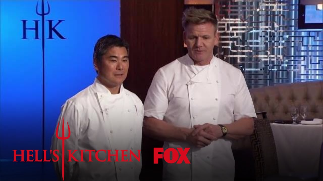 Gordon introduces the world famous guest judge roy for Watch hell s kitchen season 16