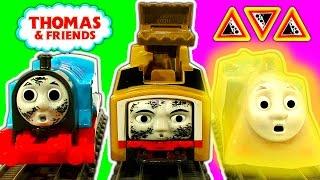 Trackmaster Breakaway Bridge, Hazards Tracks & Crash Diesel10, Bash, Thomas Tank Toys thumbnail