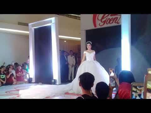Amazing...!!! Fashion show(wedding) Trio KaFeIn Top 3 PI 2016 (Kezia Warouw,Felice, Intan) di Manado