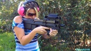 FN P90 (5.7x28mm)