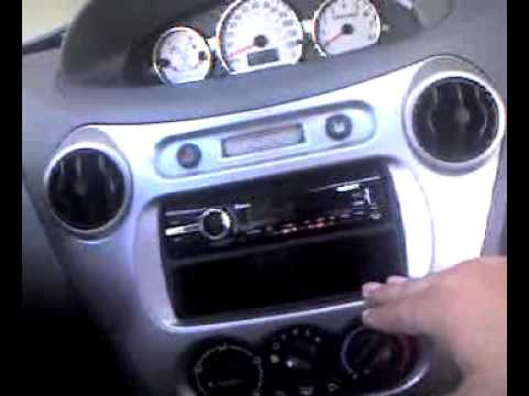 hqdefault 2004 saturn stereo'video'1 3g2 youtube 2004 saturn radio wiring diagram at bayanpartner.co