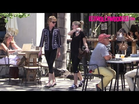 Melanie Griffith & Daughter Stella Banderas Have Lunch At Zinque 8.10.15 - TheHollywoodFix.com