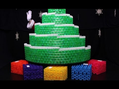 Domin-O Christmas Tree (11,500 dominoes)