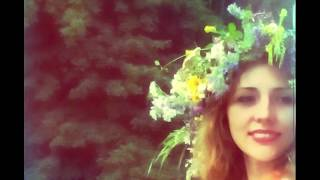 Как красиво сплести венок из цветов