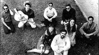Nuestro Pequeño Mundo - A cántaros  (1975)