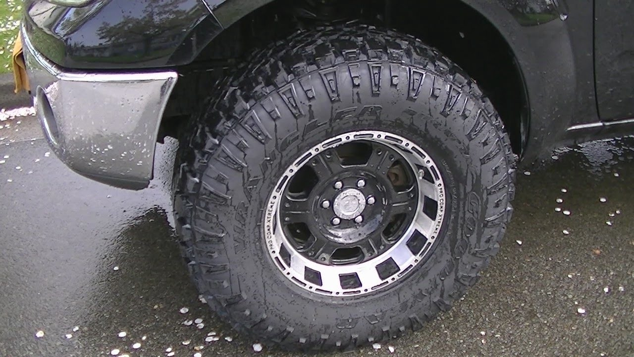Nissan Frontier With 33 Inch Tires Youtube
