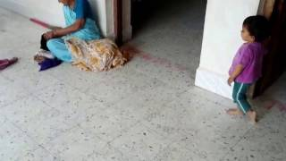 Sweet Cute Little Baby Yagni Help Mother | Very Funny |2015/02/08 173442