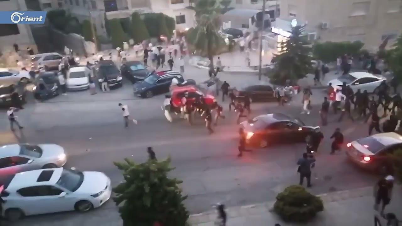 الأمن الأردني يفرق مظاهرة كبيرة كانت تطوق السفارة الإسرائيلية في عمّان  - نشر قبل 9 ساعة
