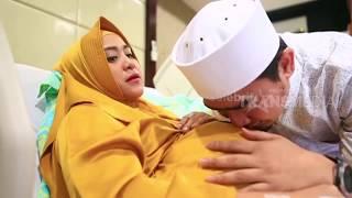 Air Mata Ustadz Solmed Iringi Persalinan April Jasmine