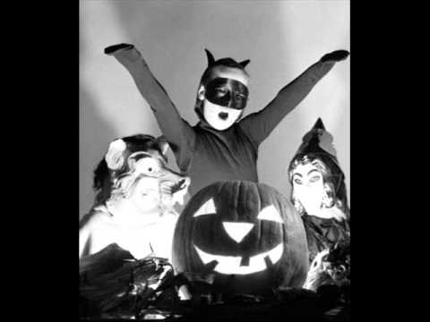 Ella Fitzgerald & Louis Jordan - Stone Cold Dead in the Market (A Jazzy Halloween)