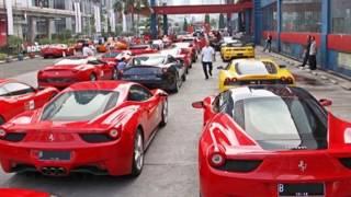 Pajak Mobil Ferrari Setara Gaji Buruh Tiga Tahun
