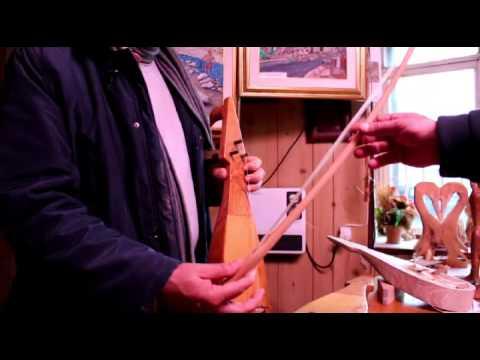 Costruzione della Lira antico strumento musicale calabrese - Caulonia
