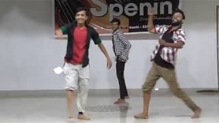 Amazing dance performance by Spenin students ( 3 smart & active hunks - Shyam, Rahul & Anuj