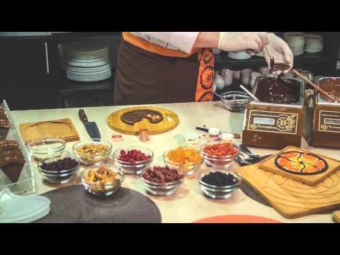 Видео Шоколад сувенирный с видами питера