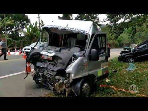 Acidente entre três veículos em SP deixa dois mortos e 14 feridos | SBT Notícias (30/06/18)