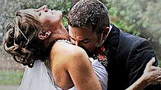 Video Awkward Family Photos: 15 Weird Wedding Kisses download MP3, 3GP, MP4, WEBM, AVI, FLV Juli 2018