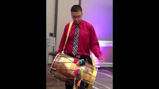 AWESOME INDIAN WEDDING DRUMMER BANGS OUT ATLANTA BRIDAL ENTRANCE AT MARRIOTT