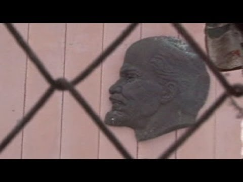 Police not amused by Lithuanian Lenin