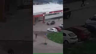 Голышом по улице