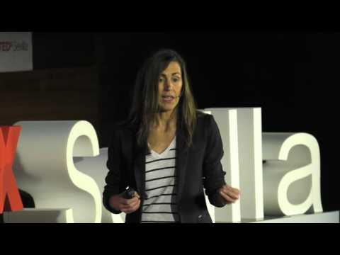 Si no quieres ahogarte en el tsunami laboral ... Be a knowmad my friend. | Raquel Roca | TEDxSevilla