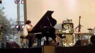 Watch Jamie Cullum 7 Nation Army video
