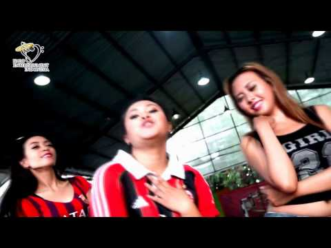 GO DANGDUT GO !!! VIVI - Hatiku Kena Penalti - Official Music Video