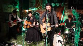 "Mrs.Greenbird ""Falling Slowly"" Live im Pub ""The Double Inn"" zum Arthur Guinness Day 2013"