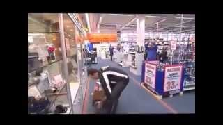 156 seconden gratis winkelen bij Saturn! Alles wat je pakken kan mag je houden
