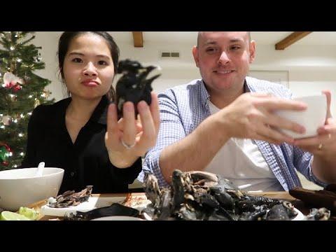 Vlog 135  Nấu Cháo Gà Ác Đậu Xanh Cho Ông Hood Ăn Khỏi Bệnh 😭