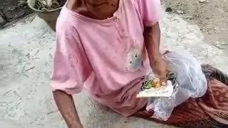 VIDEO LUCU NENEK-NENEK MARAH
