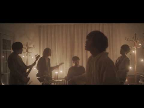 GOOD ON THE REEL / 小さな部屋 Music Video