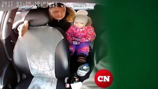 Я сам мент: папа обматерил таксиста за отказ везти ребенка без кресла