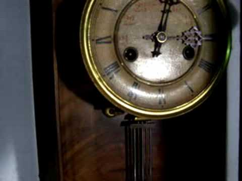 Antico orologio da parete regulator pfeilekreutz youtube for Orologio da parete radiocontrollato
