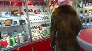 Бабка покупает телефон в Таганроге ver.2