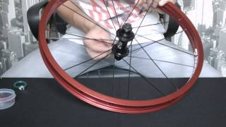 Спицовка колеса, как заспицевать колесо.(В этом видео я показываю как правельно заспицевать велосипедное колесо., 2014-10-26T14:45:03.000Z)