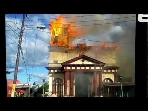 Fuego consume Iglesia San Esteban