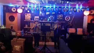 라이브카페에서 공연(2019. 11.30(토)아빠와 아…