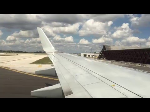 American Airlines B737-800 (new OneWorld livery) landing MIA/KMIA