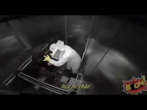 Прикол в лифте с пчелами!