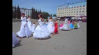 Шествие невест на площади!