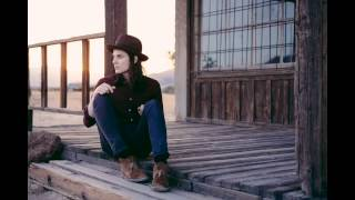 Watch music video: James Bay - Incomplete